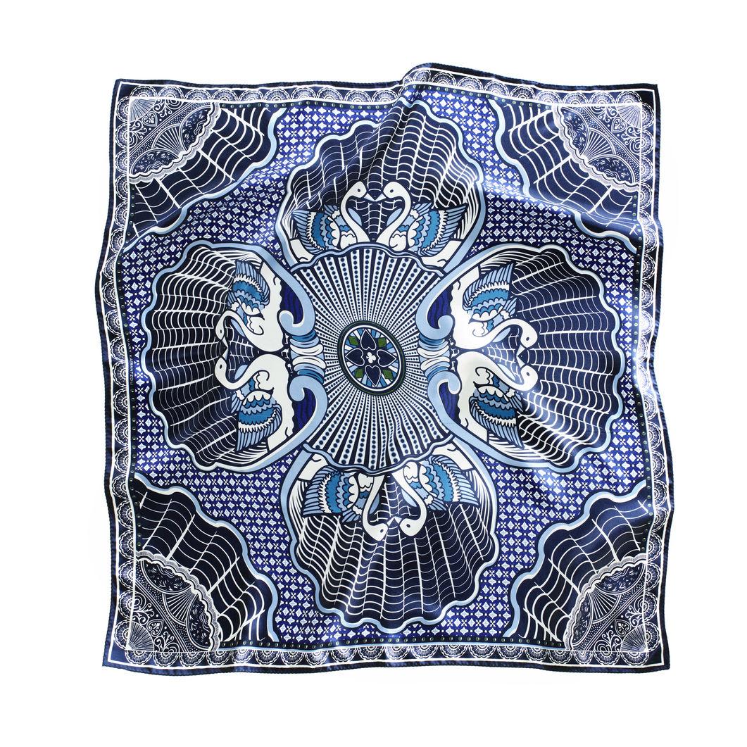 Mary Katrantzou スカーフ MoMA Limited Editionの商品画像
