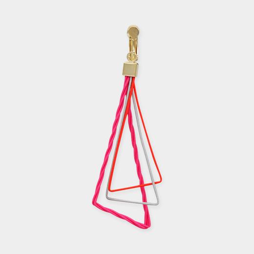 TRART 水引 トライアングル イヤリング ピンクの商品画像