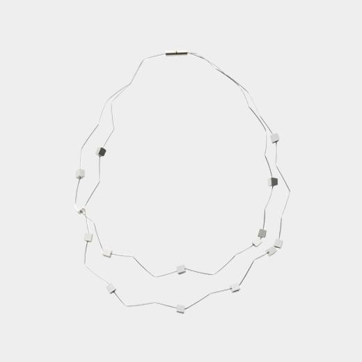 シルバーキューブ ネックレスの商品画像