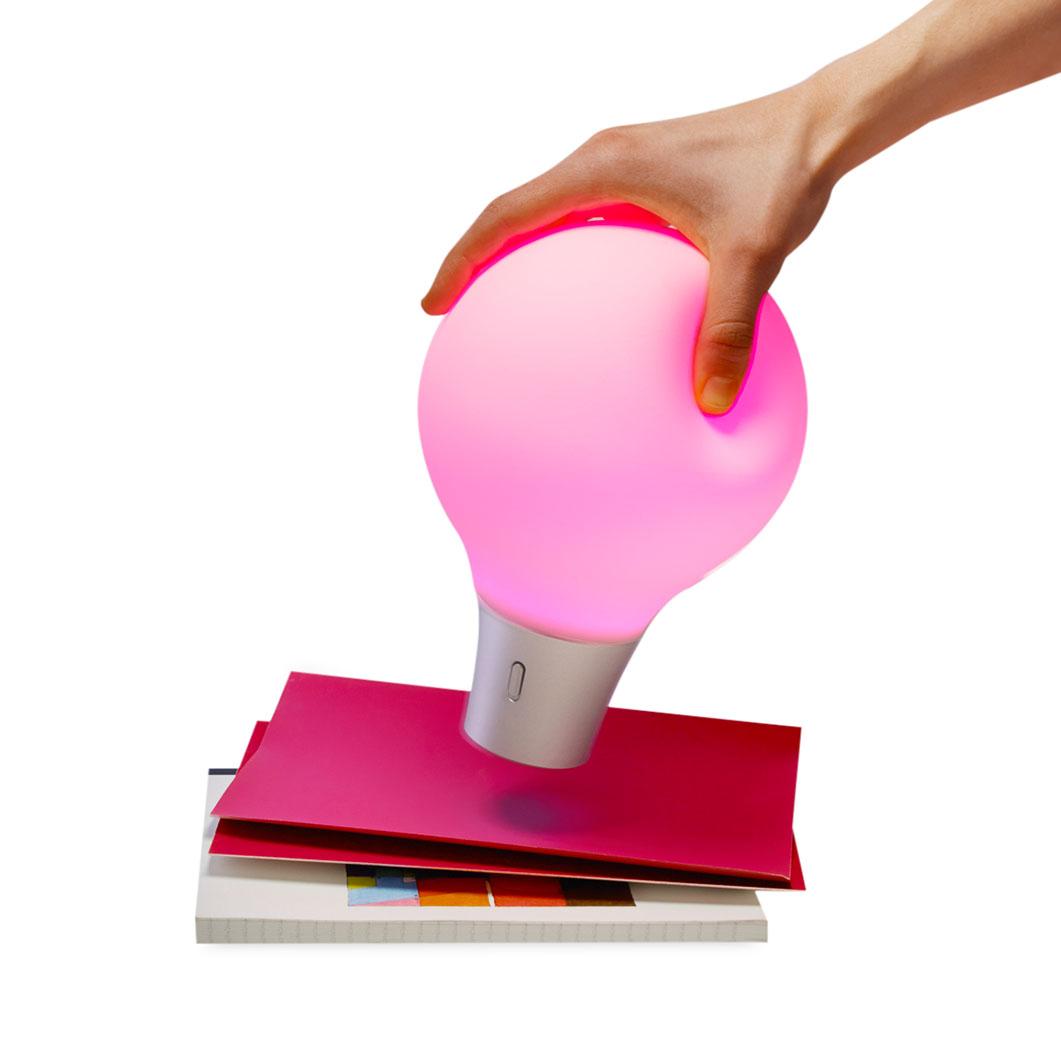 ハ…ハイテク!スポイトのように他のものから色を抽出できるライト