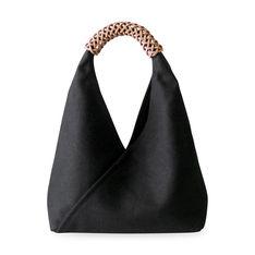 ウーブン トライアングル バッグ スモール ブラックの商品画像