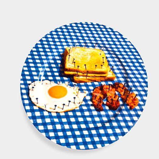 Maurizio Cattelan:プレート Breakfast