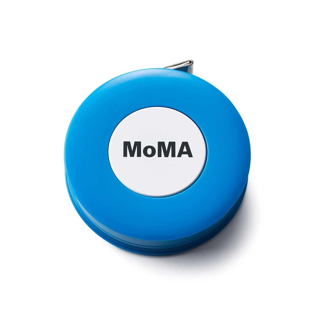 MoMA ロゴ テープメジャー ブルー